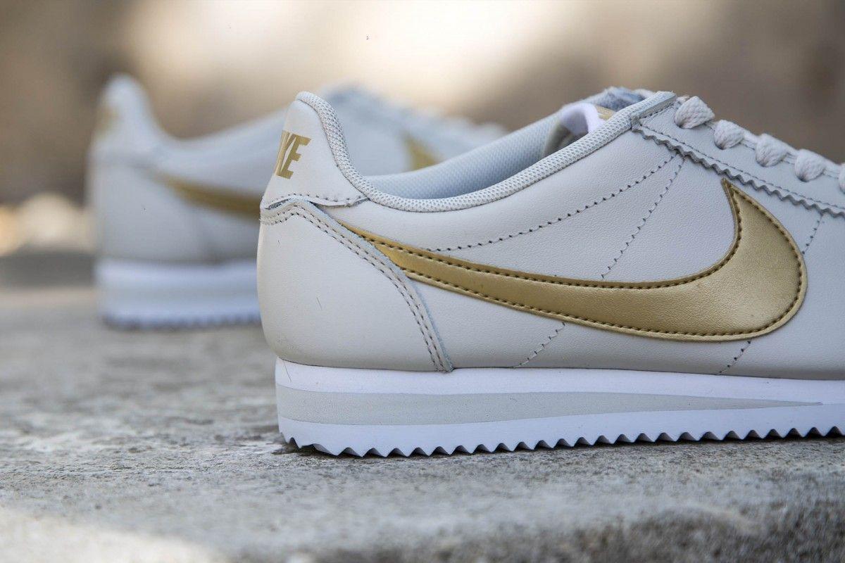 Nike Nike Nike Classic Cortez Leather Light Bone Metallic gold-White 807471-011 Wmn Sz 8.5 110ade