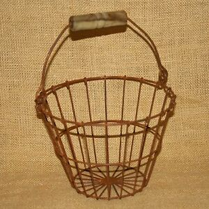 Round-Wire-Egg-Basket-Country-Primitive-Rustic-Brown-Many-Uses