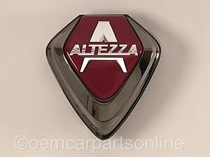 JDM-Toyota-2000-05-Lexus-IS300-Front-Grille-Altezza-Emblem-Red-Badge-Genuine-OEM