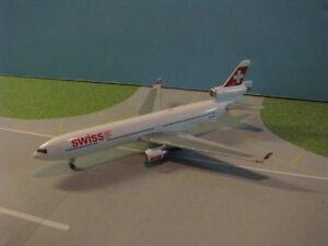 GEMINI-JETS-GJSWR385-SWISS-INTERNATIONAL-MD-11-1-400-SCALE-DIECAST-METAL-MODEL