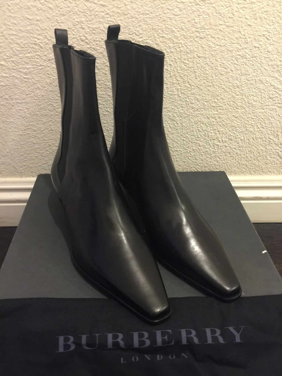 Nuevo En Caja Caja Caja Burberry Londres Clásico Negro Cuero botas verificación de firma a cuadros en 40 8.5  para proporcionarle una compra en línea agradable