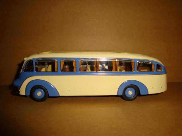 1  43 Premium Classixx MERCEDES -BENZ LO3500 konst.NO.12326