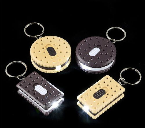 LOT OF 6 COOKIE  FLASHLIGHT LED KEY CHAINS BATTERIES INCLUDED BRIGHT GOODY BAGS