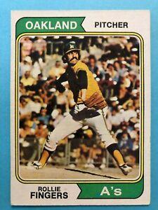 1974 Topps Baseball Card #212 Rollie Fingers Oakland Athletics HOF