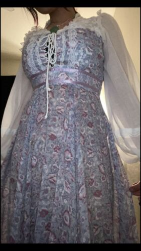 Lovely 70s Gunne Sax maxi lavender floral with sh… - image 1