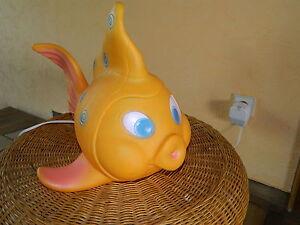 Fisch-Plastik-orange-Tischleuchte-Lampe-wunderschone-Kinderzimmerlampe