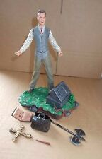 BUFFY THE VAMPIRE SLAYER GILES ACTION FIGURE WITH ACCESSORIES