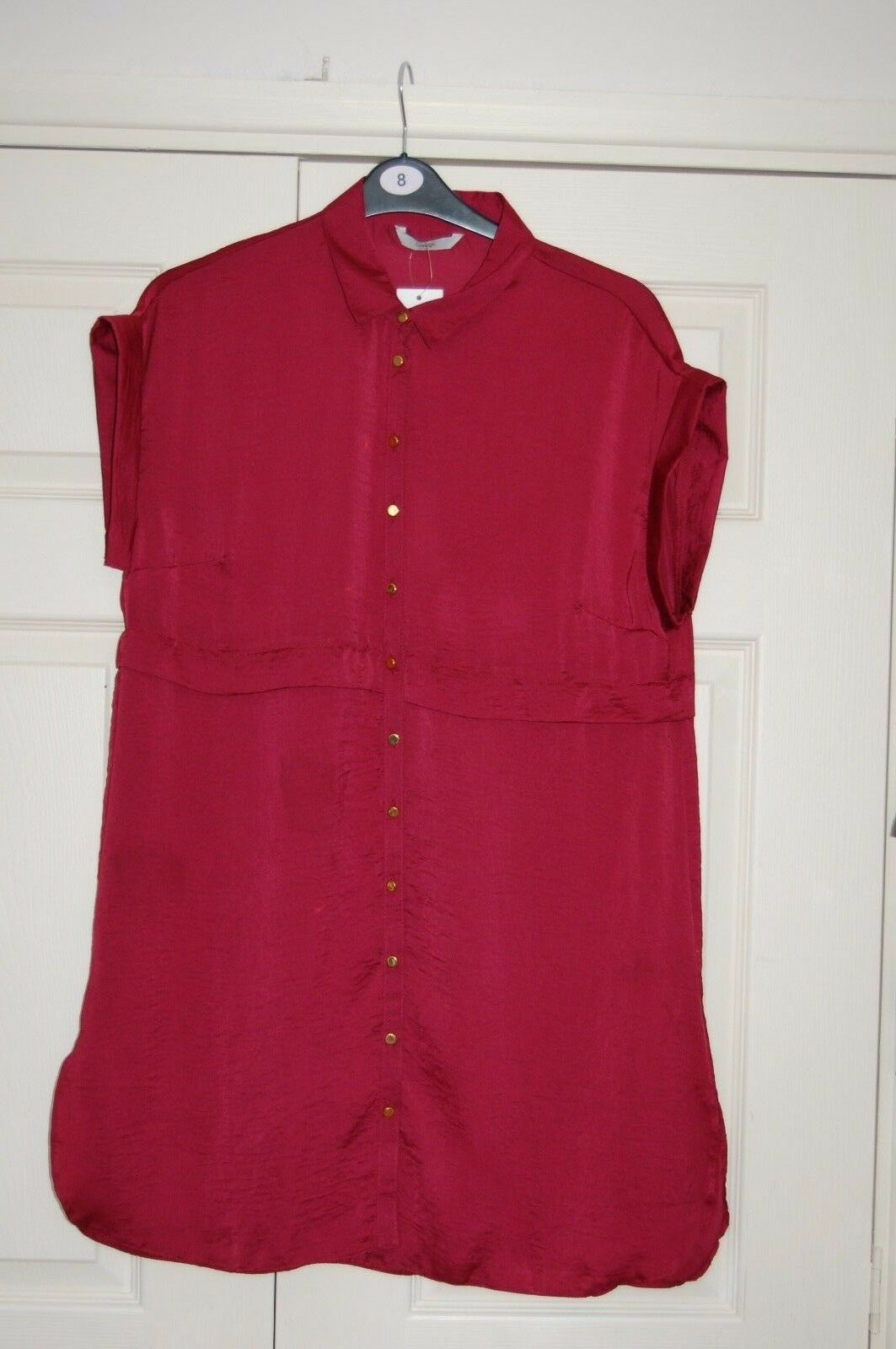 New Sz 16 Long line Sleeveless Shirt in Shiny Maroon hammered Material Faux Belt