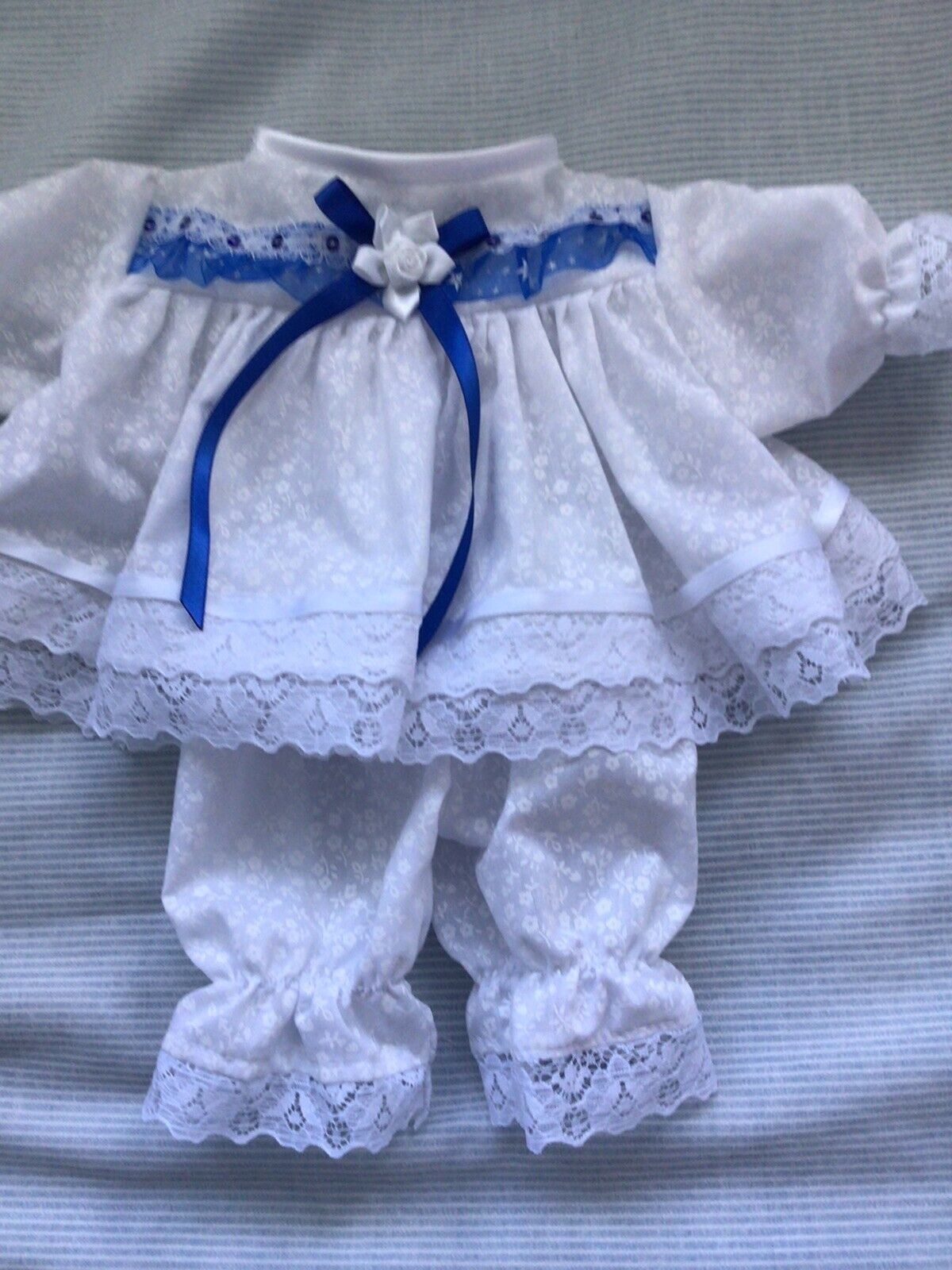 Handmade Prem baby Two piece Dress set Size 3-7 Lbs White Fluer ,royal Lace