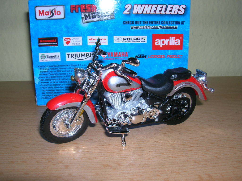 Maisto Yamaha Road Star red silver, 1 18 Motocycle Moto