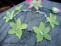 Yellow Lucite Daisy Flower Silver Chain Charm Style Bracelet Floral Pansy Green
