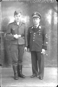 Platte-Negativ-Portraet-2-Soldaten-Deutschen-der-Teil-Belgisches-Liedermacher