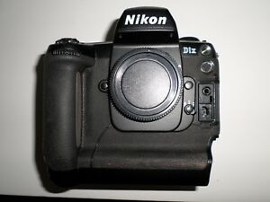 Nikon-D1X-5-3MP-Digital-SLR-Camera-Body-only-No-Battery-or-charger