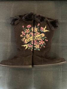 Tall-Brown-Fur-Suede-Colorful-Flower-Skull-Art-Ed-Hardy-Boots-Size-8-New