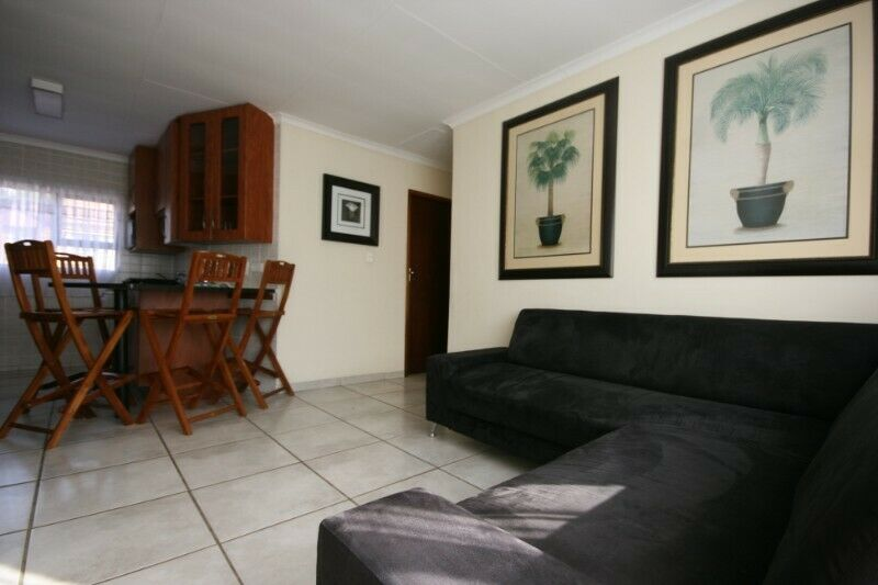 Self-Catering  Apartment in Fourways (for 4 people)
