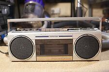 Toshiba RT-SF1 Ghettoblaster Boombox Radio Tape Player Works fm/sw/mw/lw