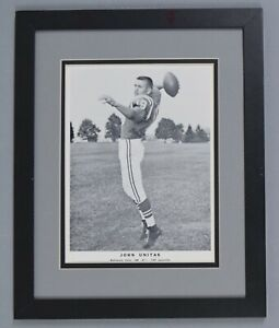 JOHNNY UNITAS SIGNED AUTO AUTOGRAPH TEAM ISSUED PHOTO EARLY C.1960'S JSA/DNA