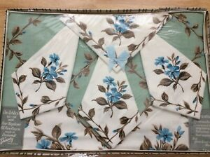 Vintage-Dunmoy-Floral-1950-s-Tablecloth-amp-Napkins-50-x-50-Boxed-Rayon