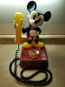 Vintage-1976-The-Mickey-Mouse-Phone-Landline-Rotary-Dial-Telephone-Walt-Disney