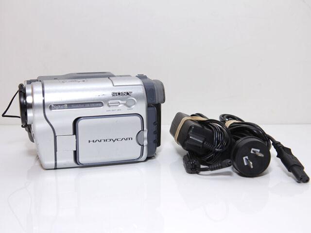 Sony DCR-TRV265E Digital8 Cassette Tape Handycam Video Camera Camcorder + More!