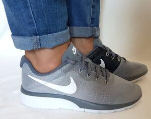 Lionel Green Street Ficticio cristiandad  Zapatos Mujer Running Nike tanjun Racer Gris Blanco Deporte Fitness Raza  Running | eBay