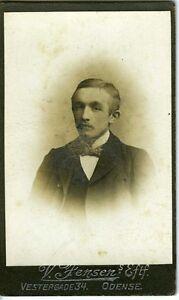 DANEMARK-DENMARK-ODENSE-jeune-homme-CDV-photo-circa-1890