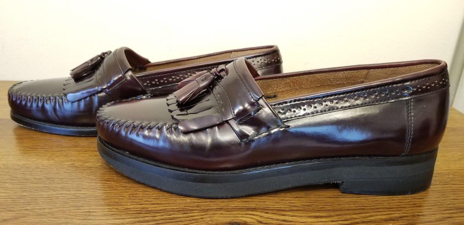 WEEJUNS By G H Bass Burgundy Kiltie Tassel  Loafers 11 D - LLD LEG DISCREPANCY