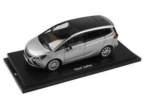 OPEL-Zafira-C-Tourer-modello-di-auto-auto-da-collezione-1-43-Silbersee-Argento-oc10131
