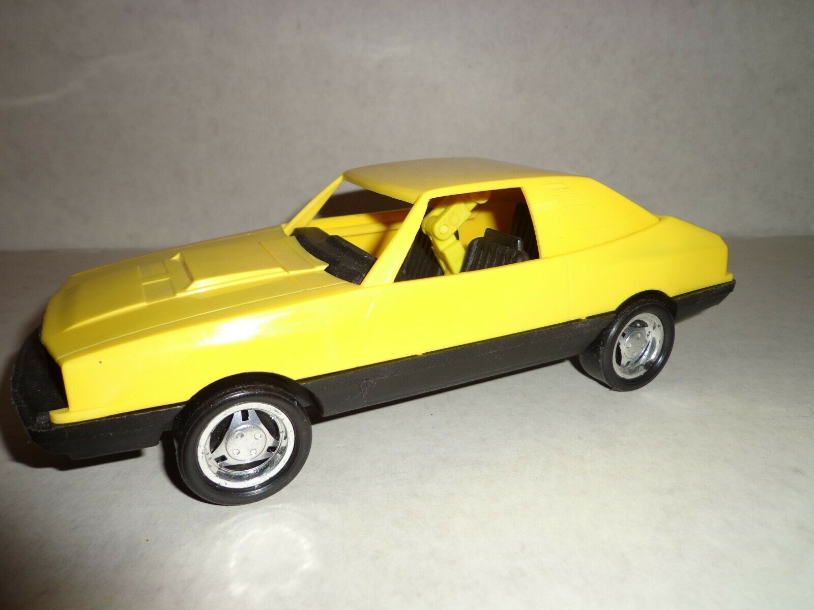 Nylint Plastic Yellow Mustang with Collapsing roof vintage hong kong very rare