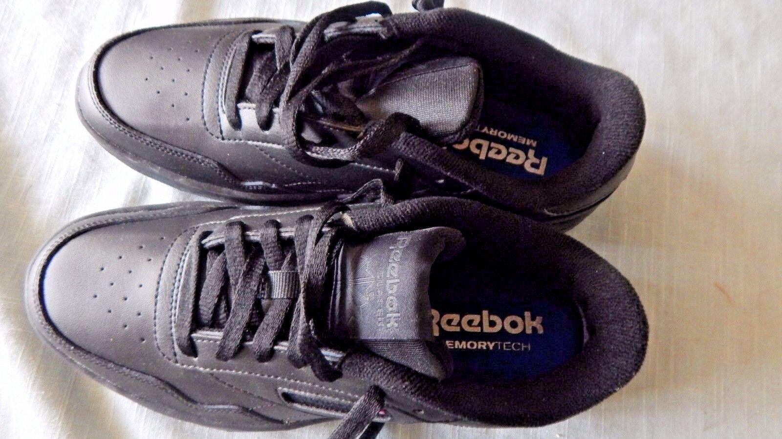 REEBOK MEN'S SIZE 7  CLUB MEMT BLACK SHOES