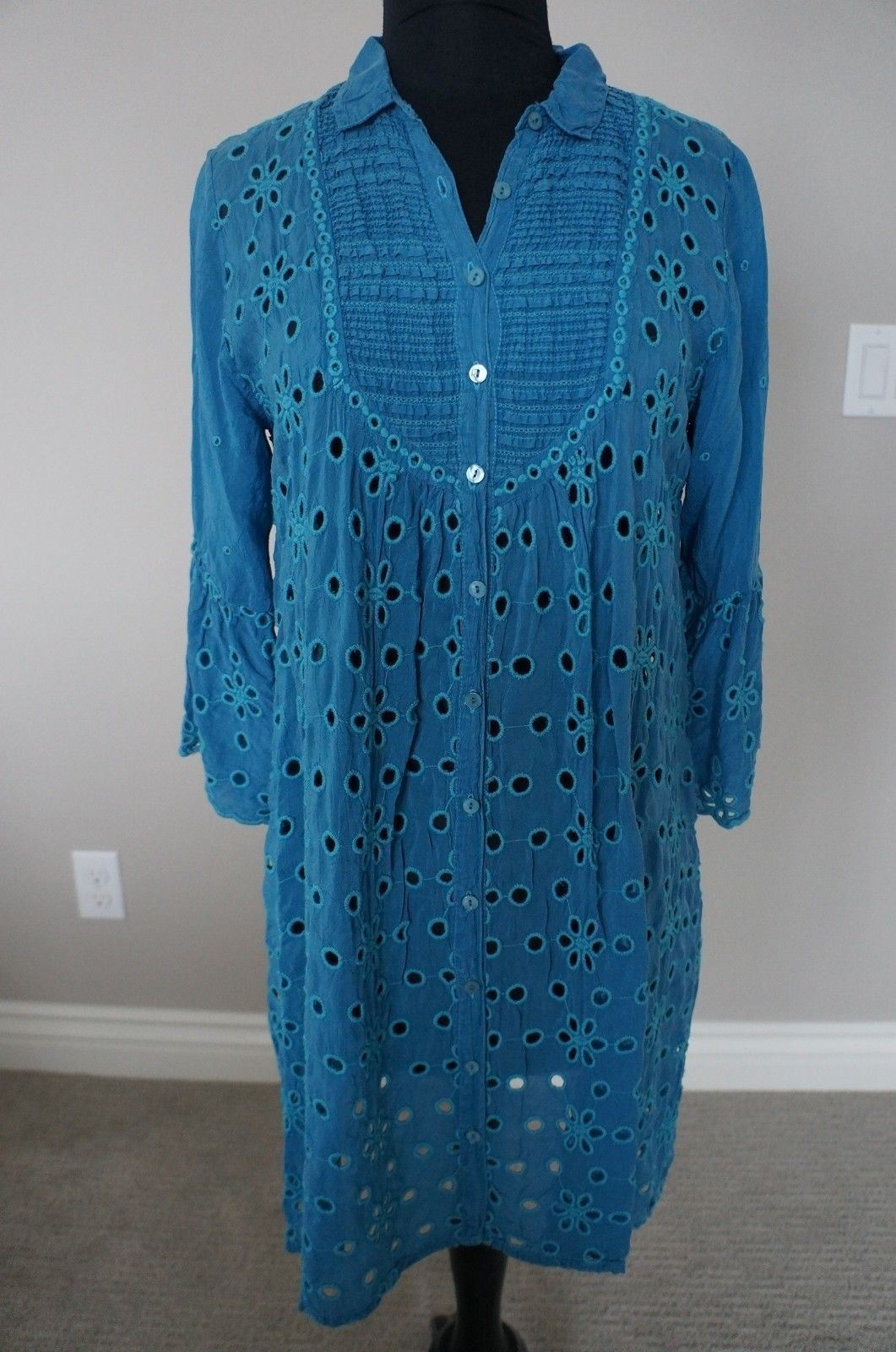 NEW Johnny Was Rayon Eyelet EmbroideROT Isabelle Tunic Top Blouse Dress Blau S