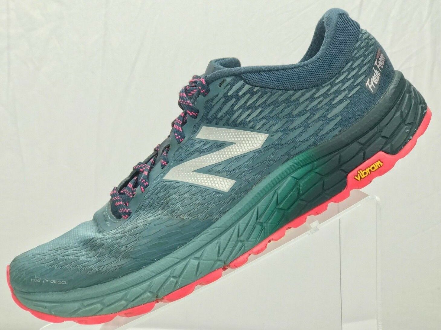 NEW BALANCE Fresh Foam Hierro Trail Running Sneaker - Women's 9.5B Green Pink