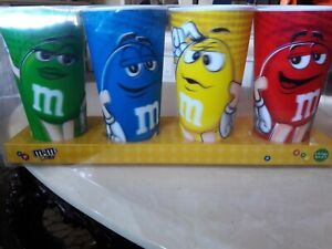 M/&M/'s World Characters Lenticular 24oz Cup Tumbler Set of 4 New with Box