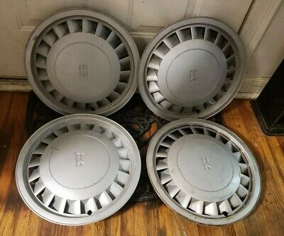 "NOS OEM Oldsmobile Cutlass Calais Wheel Hubcap  13/"" 85 86 87 88 89 SET OF 4"