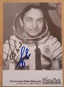 Vostok 5, Soyuz 22, 31/29 Valery Bykovsky original signed photo, Space