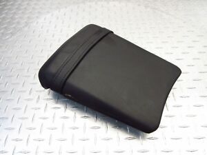 2003-02-03-YAMAHA-1000-YZFR1-YZF-R1-REAR-SEAT-PASSENGER-PAD-PILLION-SADDLE-OEM