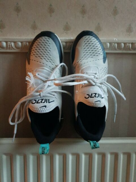 Nice Boxed Men's/Boy's White Black Nike Air Max 270 Flyknit Trainers, size 7