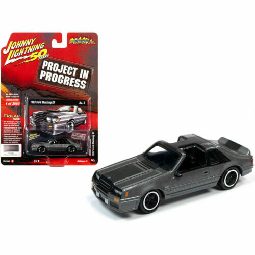 1982 Ford Mustang GT Gunmetal metalizado ** Johnny Lightning Street monstruos 1:64