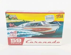 Lindberg-Line-039-59-Century-Coronado-Boat-1-25-Scale-Model-Factory-Sealed-M0024
