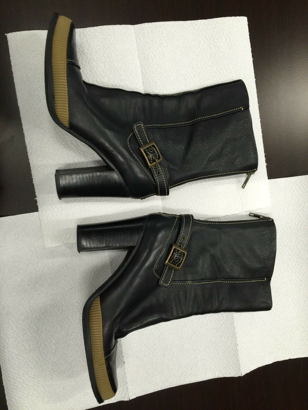 Ladies Daniblack Boots Size 7-1/2 M Black With Brown Accents Zipper Ankle