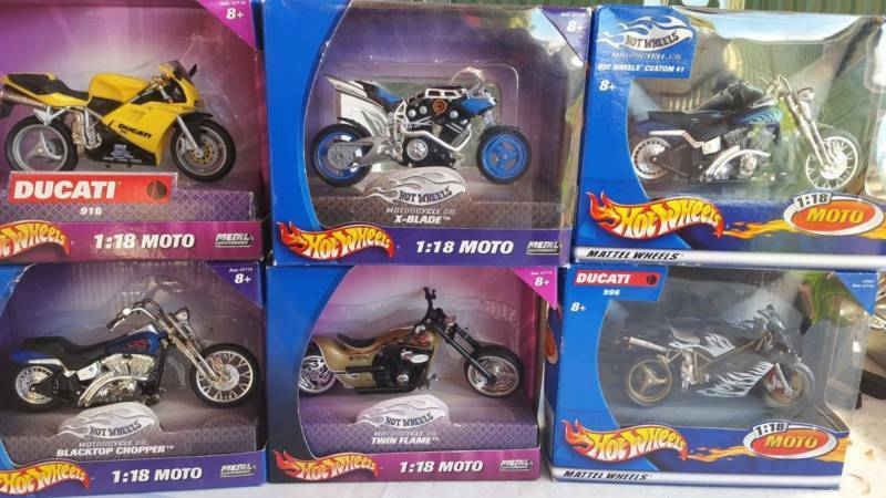 HotWheels 1 18 Moto Die-Cast Motorcycle 6 RARE COLLECTABLE