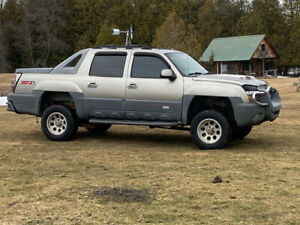 2002 Chevy Avalanche Z-71 for sale 204K kms