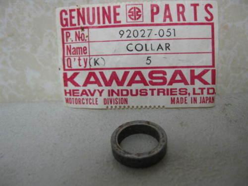 Kawasaki NOS H1 1969-72  Collar #  92027-051 c