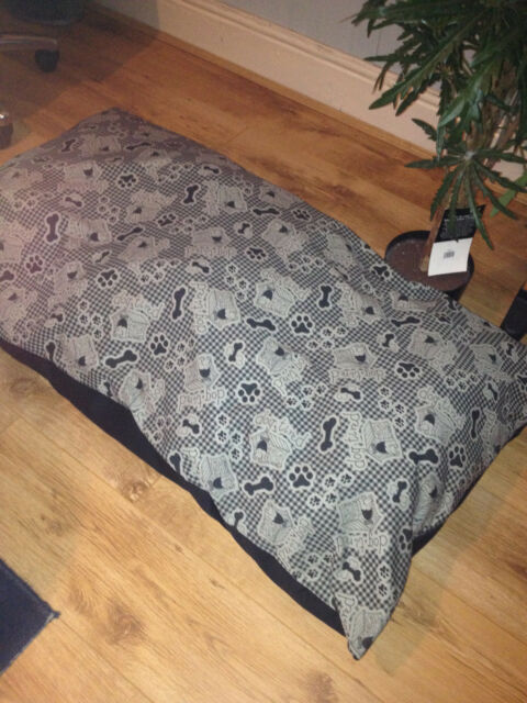 DOG BED PET MAT PAD deep QUILT FILLED black faux leather base  3 sizes