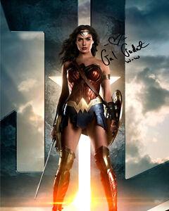 Justice League Wonder Woman Gal Gadot Signed Photo Autograph Reprint