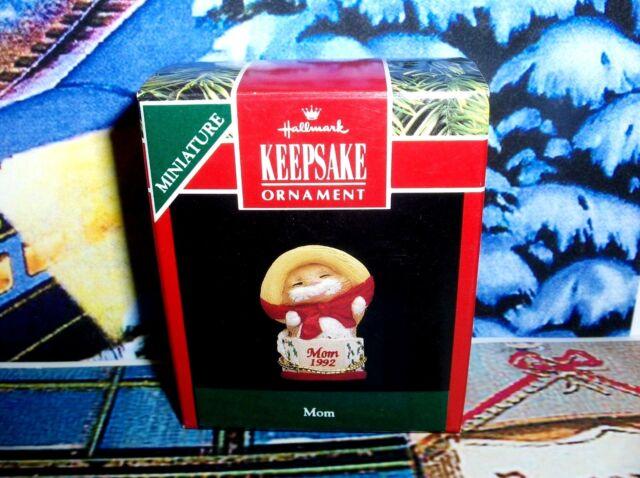 Busy Bear`1991`Miniature-Lil Wooden Bear-Moves,Hallmark Christmas Ornament-/>New