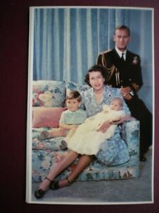 POSTCARD-ROYALTY-ROYAL-FAMILY-GROUP-1950-AT-CLARENCE-HOUSE-30-YEARS-OF-E-II-R