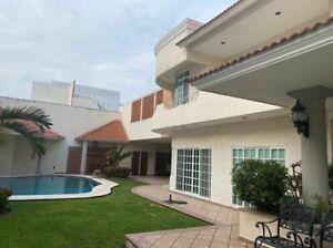 Casa en venta con alberca, recamara  en planta baja en Boca del Rio Veracruz.