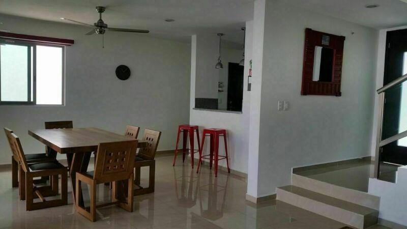 Casa  semi-amueblada de 3 recámaras en Privada Porto Belo