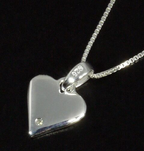 discontinued stock NEW D for Diamond Small Girl/'s Silver Heart Pendant P3818